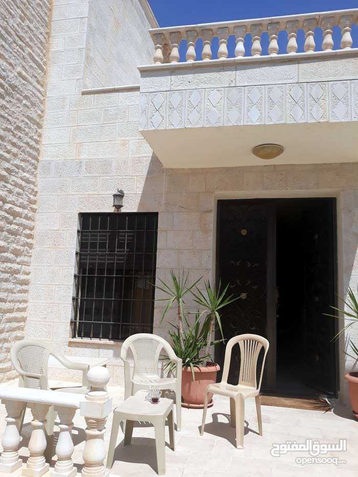 Villa property for sale Amman - Airport Road - Manaseer Gs directly from the owner