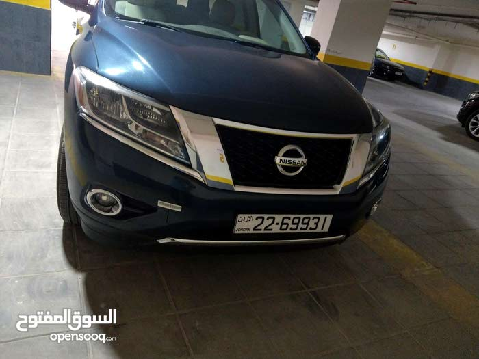 Nissan Pathfinder car for sale 2014 in Amman city