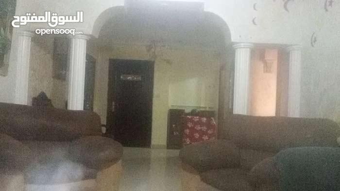 شقة  للبيع مساحتها 170 متر مربع