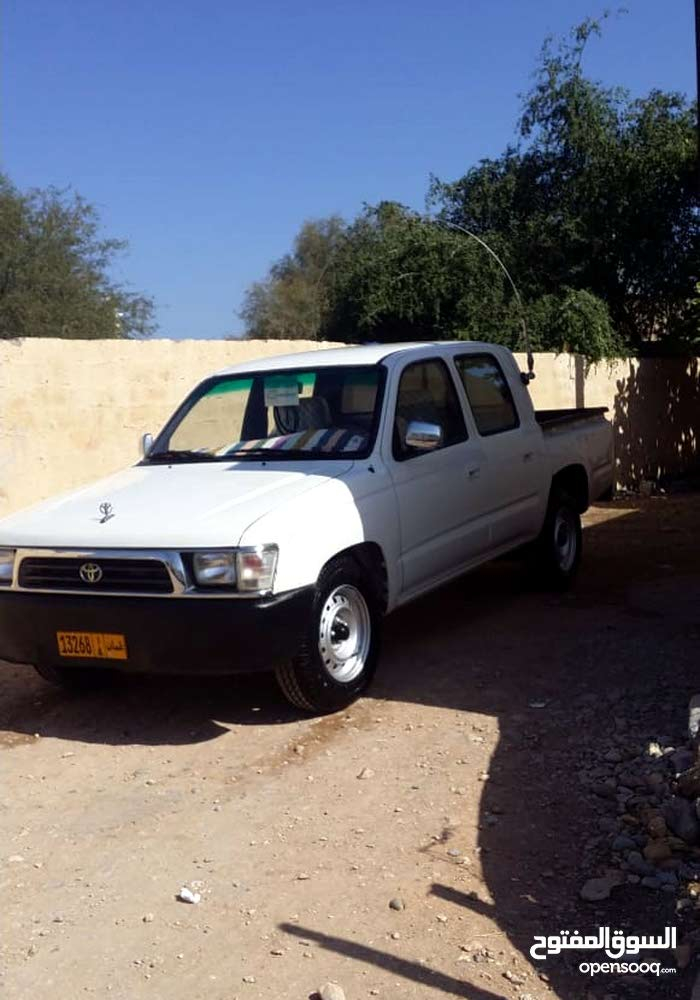 10,000 - 19,999 km Toyota Hilux 2001 for sale