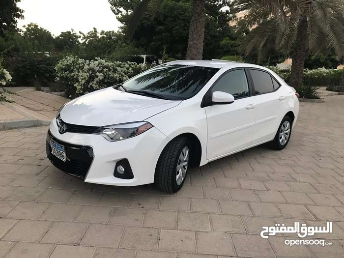 Automatic Toyota 2014 for sale - Used - Al Masn'a city