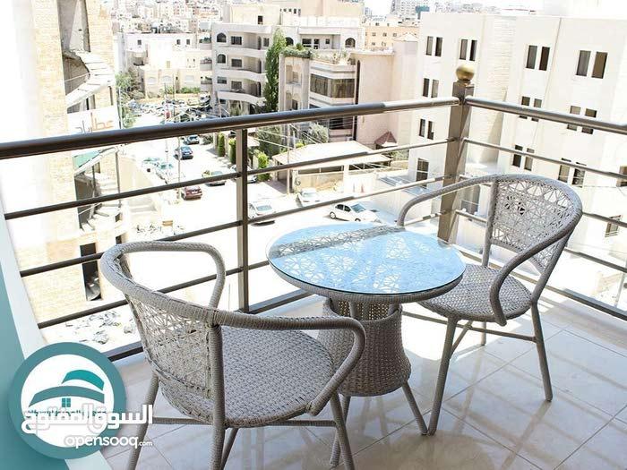 ستوديوهات للايجار شارع الجامعه مقابل مستشفى الجامعه
