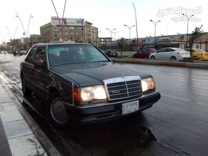 Mercedes Benz E 200 made in 1992 for sale