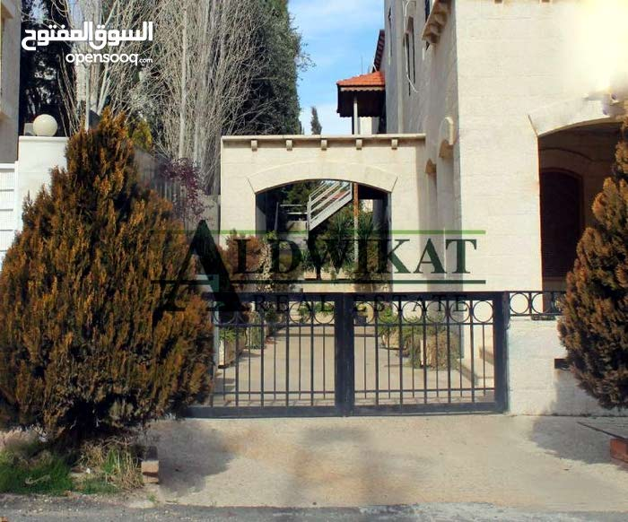 Deir Ghbar property for sale with 5 rooms