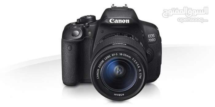 كاميرا كانون 700 d  مع عدسة 75-300