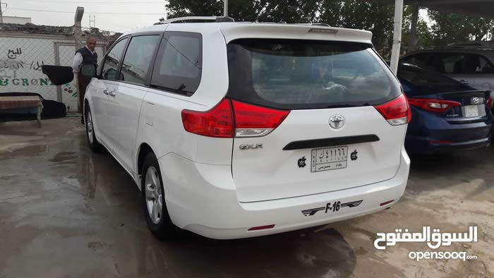 Toyota Siena 2014 in Baghdad - Used