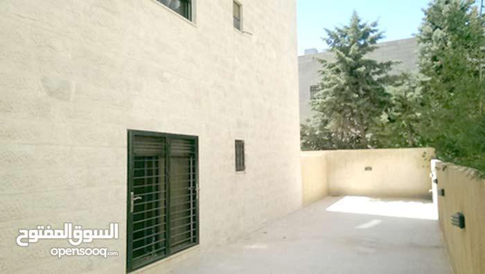 شقة ارضية 165م للبيع قرب سيفوي السابع