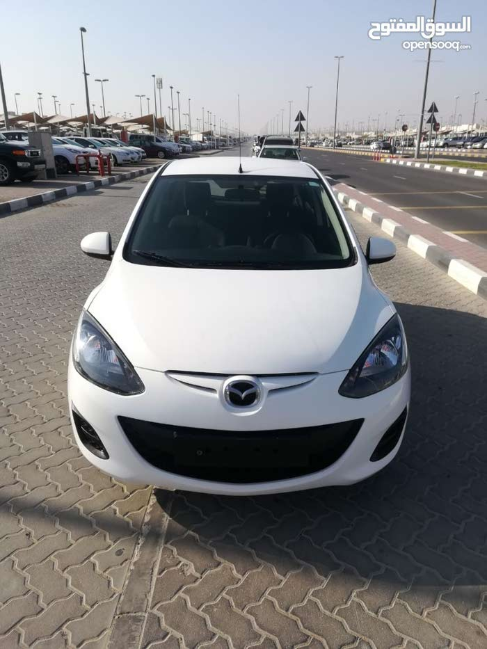 MAZDA 2 GCC 2014 FULL AUTOMATIC 1.5 SINGLE OWNER 2 SPEAR KEYS  LOW MILLAGE FREE ACCIDENT NO PAINT