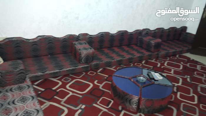 شقة للايجار في الجبيهة بسعر حدا رخيص ومفروشة كمان