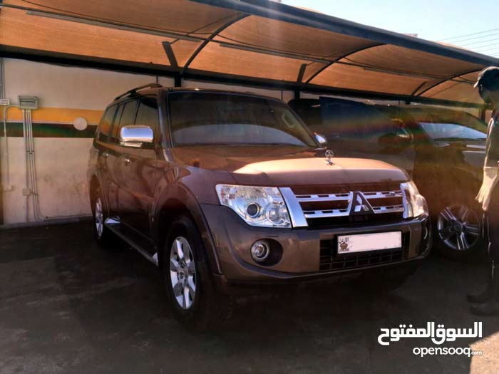 Mitsubishi Pajero 2014 for rent per Day