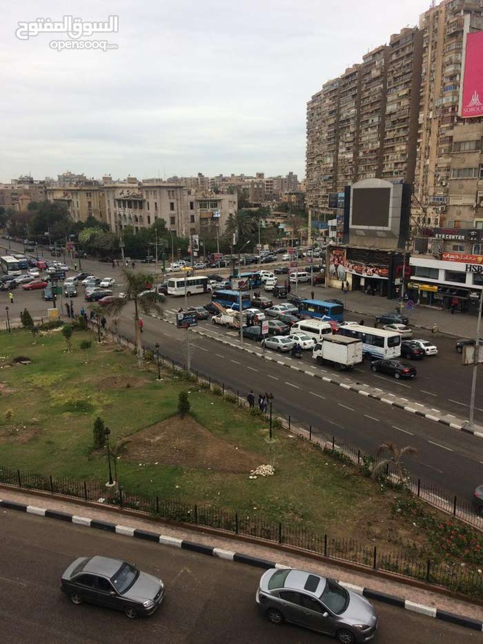 مكتب 200م للايجار مفروش فى قلب ميدان روكسى مصر الجديدة