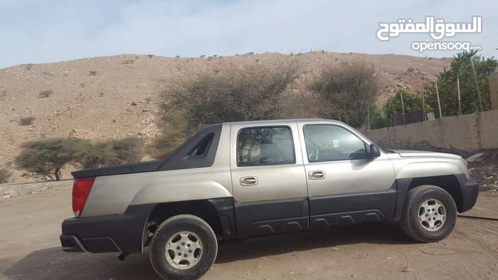 Chevrolet Avalanche car for sale 2003 in Saham city