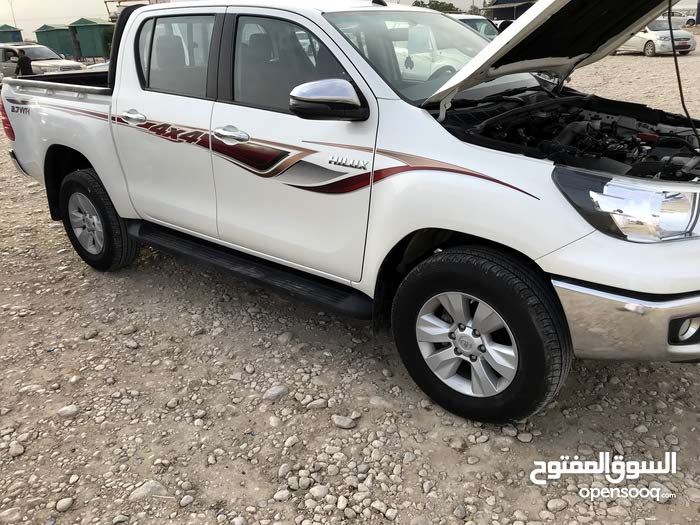 Toyota Hilux 2018 For sale - White color - (109527619