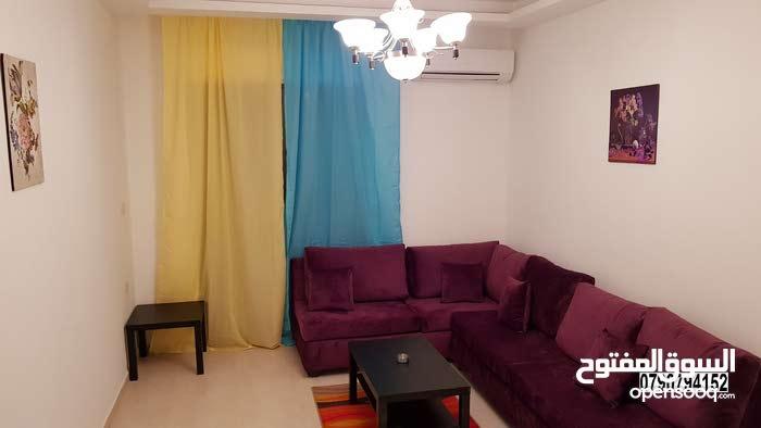 شقة مفروشة غرفتين نوم للايجار في شارع مكه