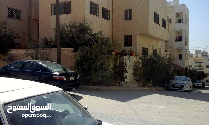 Villa property for sale Zarqa - Jabal Tareq directly from the owner