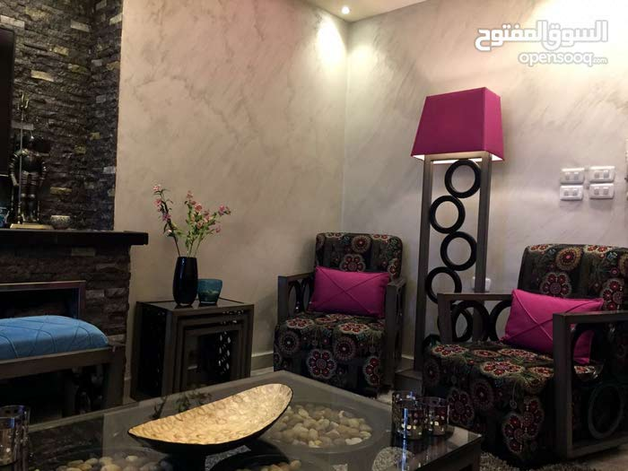 Al Hay Al Sharqy neighborhood Irbid city - 219 sqm apartment for sale