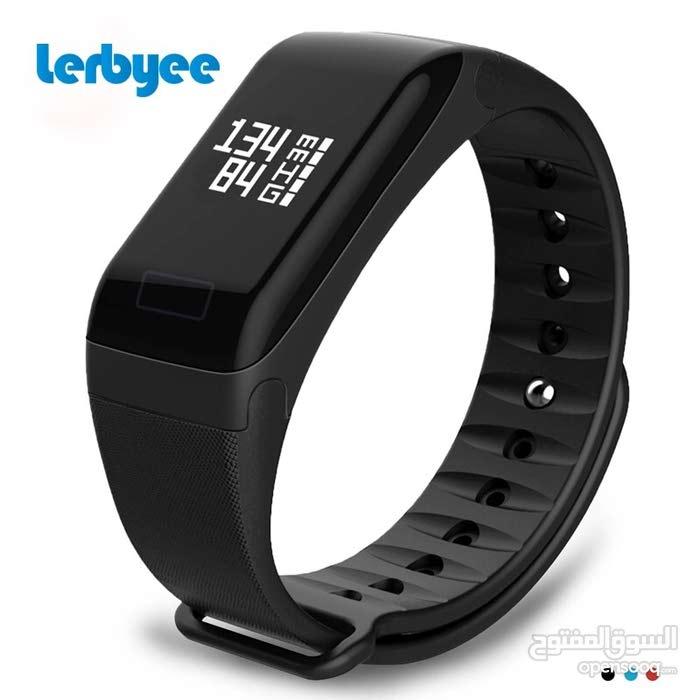 ساعة إلكترونية للبيع
