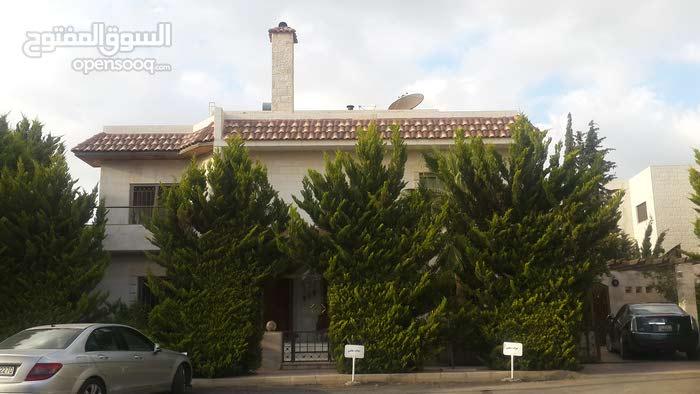 Khalda neighborhood Amman city - 450 sqm house for sale