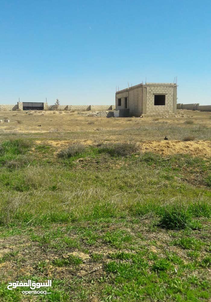 ارض للبيع في قعفور