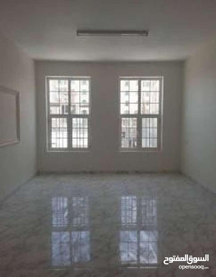 فرصة للايجار العائلى المتيمز شقة 180 م بارقى شوارع الدقى