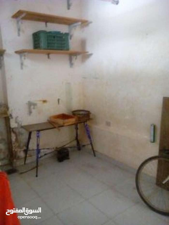 محل لبيع او الايجار منتجات حلواني