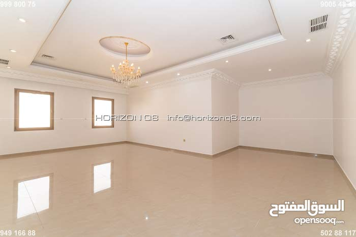 Salwa - great, unfurnished four bedroom apartment
