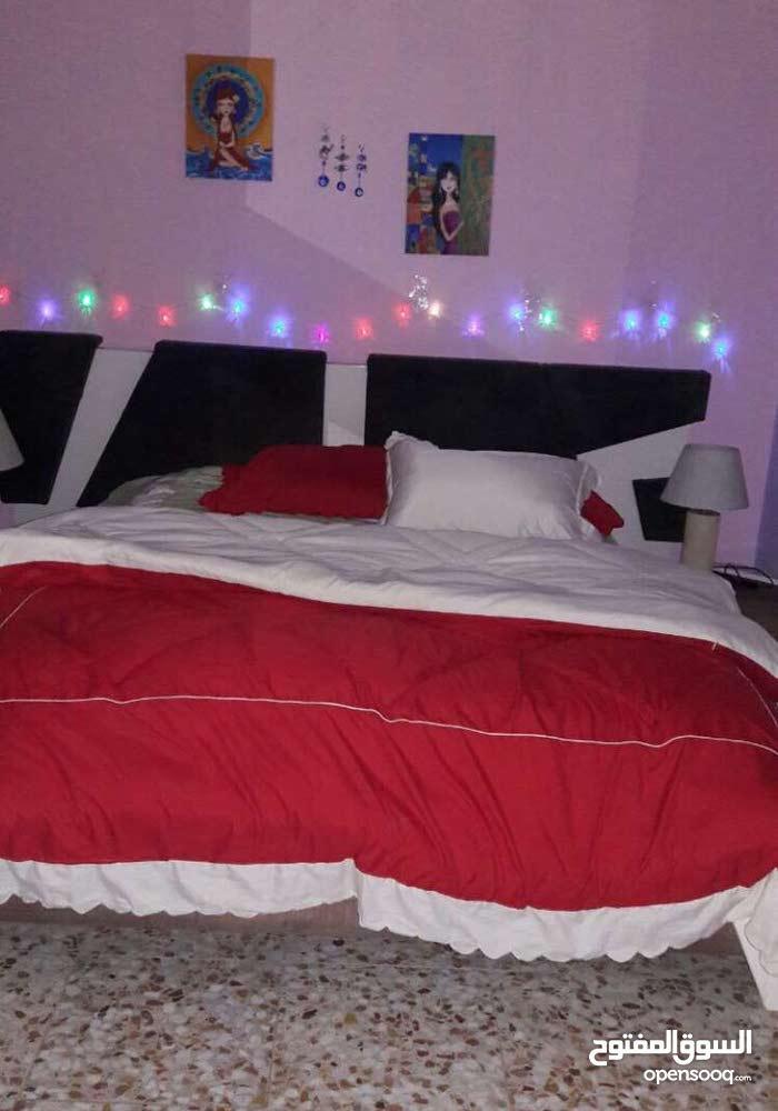 غـرفة نوم للبيع