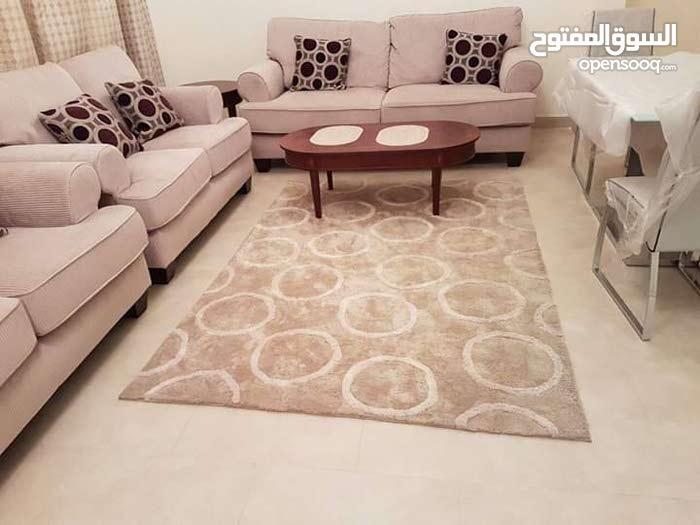 شقة مفروشة للإيجار في البسيتين Furnished flat for rent in Busaiteen