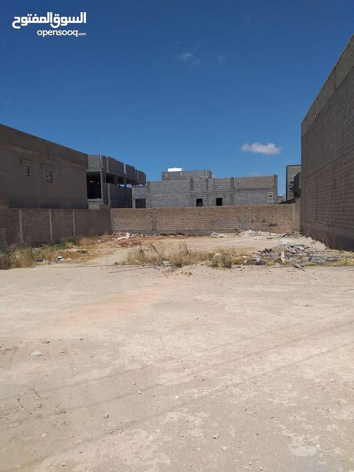 قطعه ارض فى حي قطر 500 متر