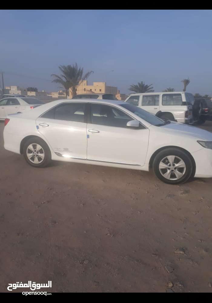 Toyota 4Runner car for sale 2013 in Ja'alan Bani Bu Ali city
