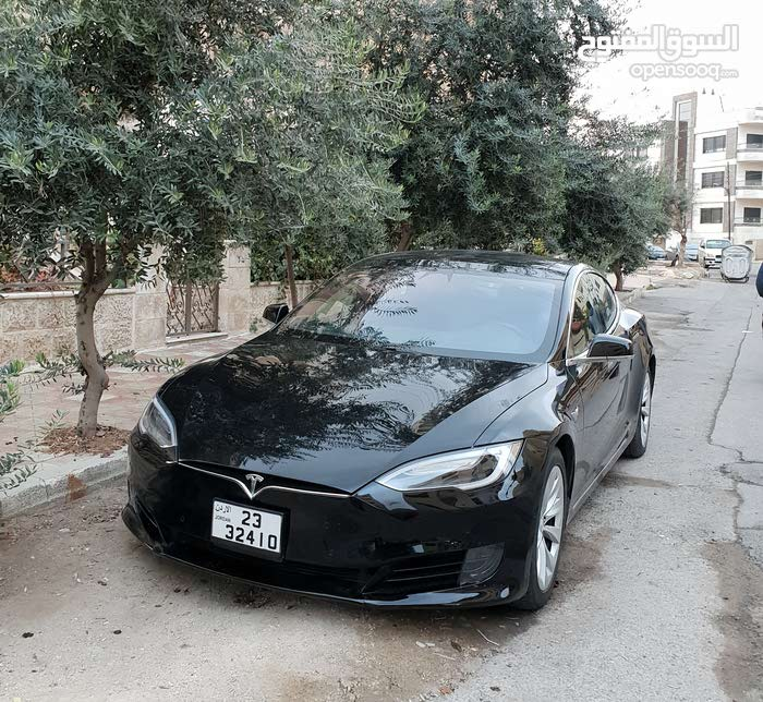Automatic Tesla 2017 for sale - Used - Amman city