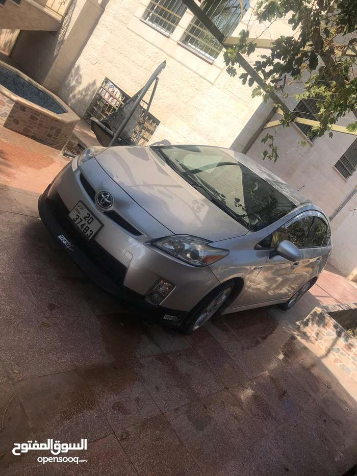 Toyota Prius 2011 For sale - Grey color