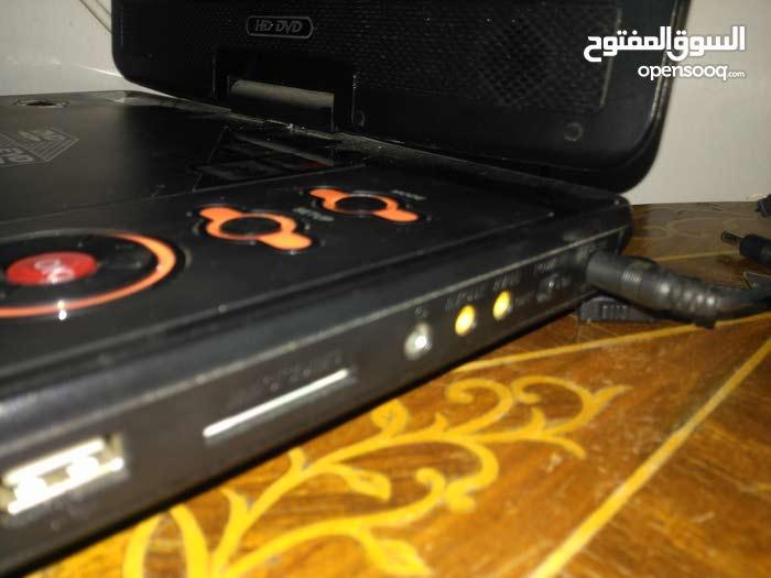 ديفيدي 3d و HD و ايصير تلفزيون و تشتريله يدة و قرص مالته و تلعب بيه