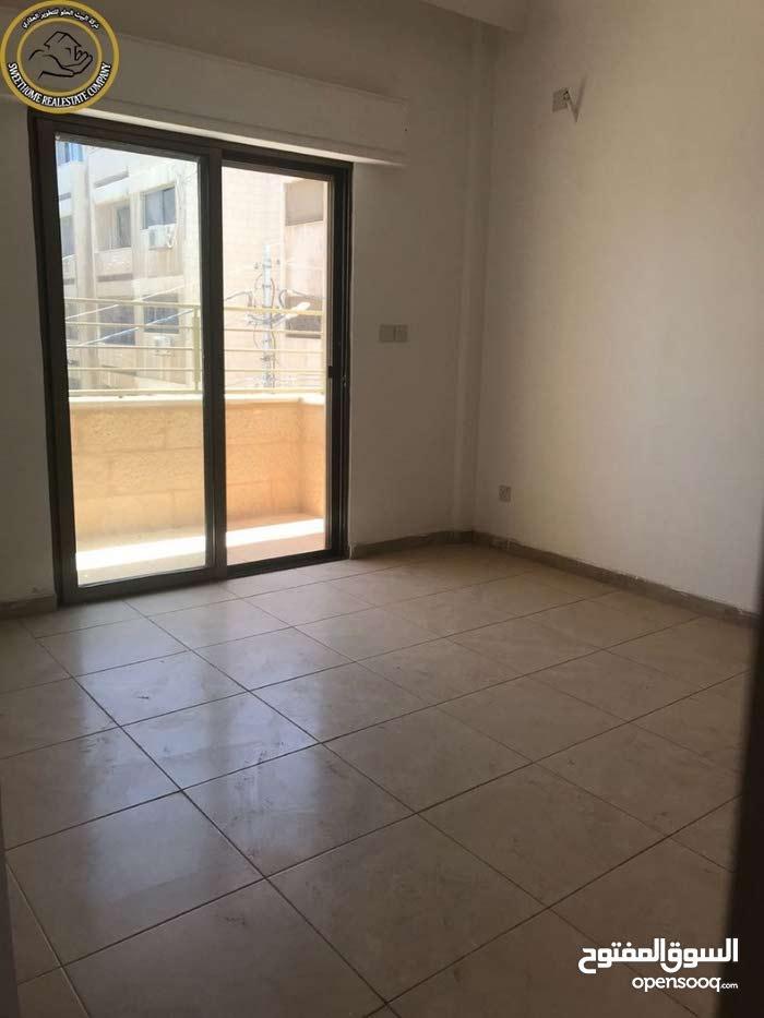 شقة مميزة للبيع في الجاردنز طابق ثاني 105م تشطيب سوبر ديلوكس لم تسكن