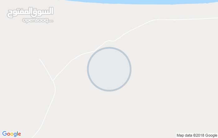 700 متر مسيجات في القويعه بلقرب من البحر