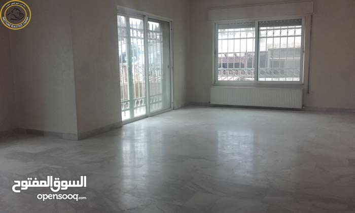 Tla' Ali apartment for sale with 4 rooms