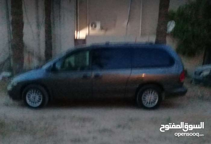 Used Chrysler Voyager in Tripoli