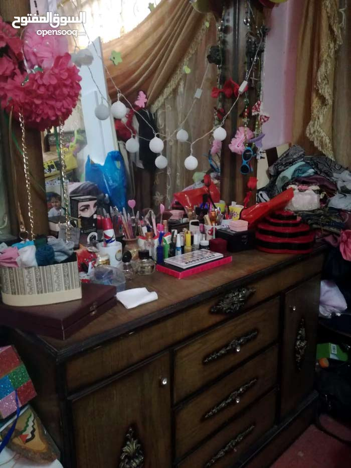Available for sale in Zarqa - Used Bedrooms - Beds