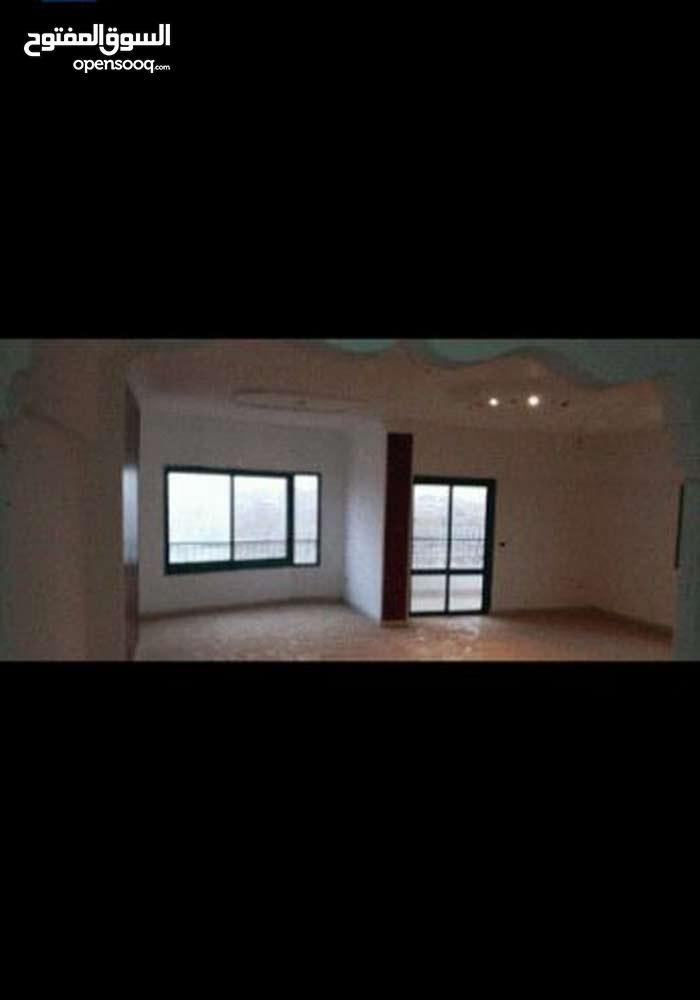شقة للبيع 140م في الشيخ زايد