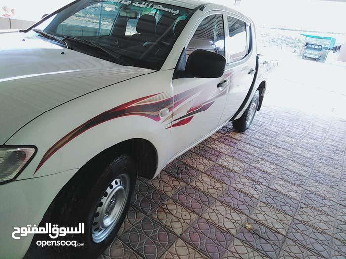 White Mitsubishi L200 2014 for sale