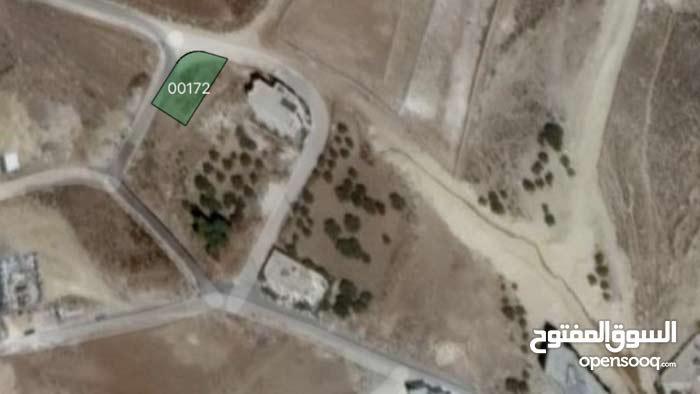 ارض 503 شمال عمان بالقرب من الجبيهة و ابو نصير وشارع الاردن