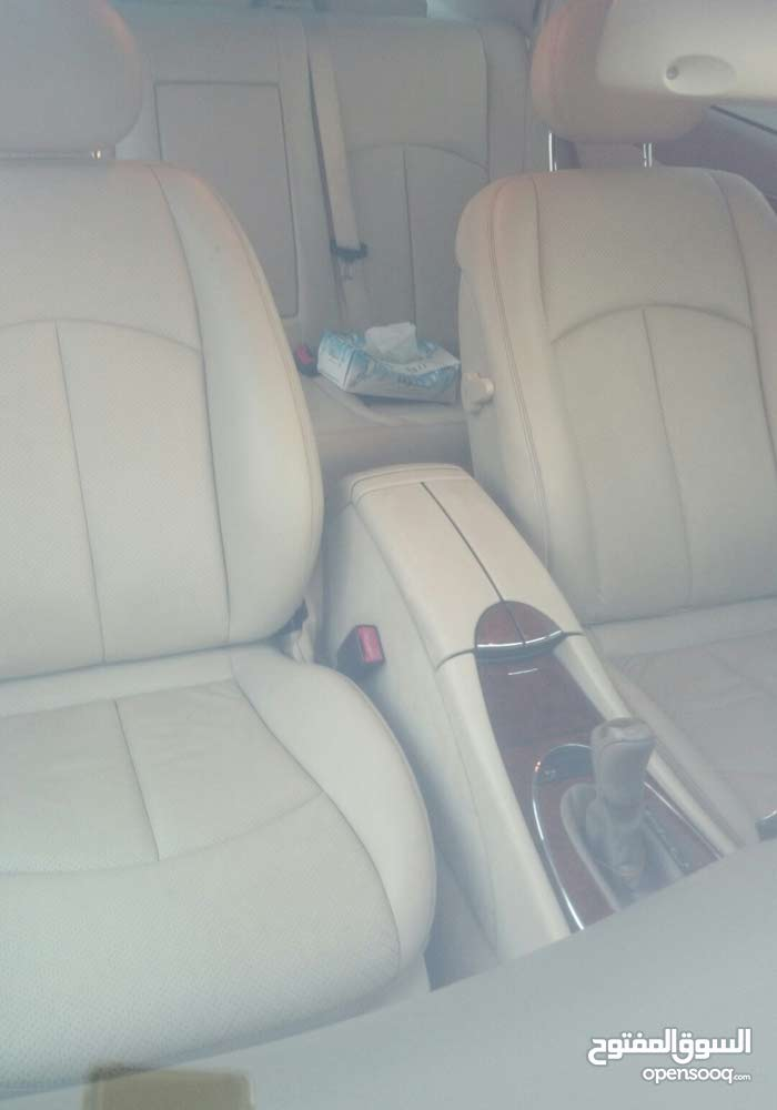 Mercedes Benz E 240 car for sale 2005 in Muscat city
