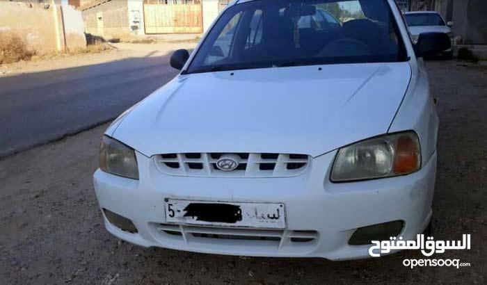 White Hyundai Verna 2003 for sale