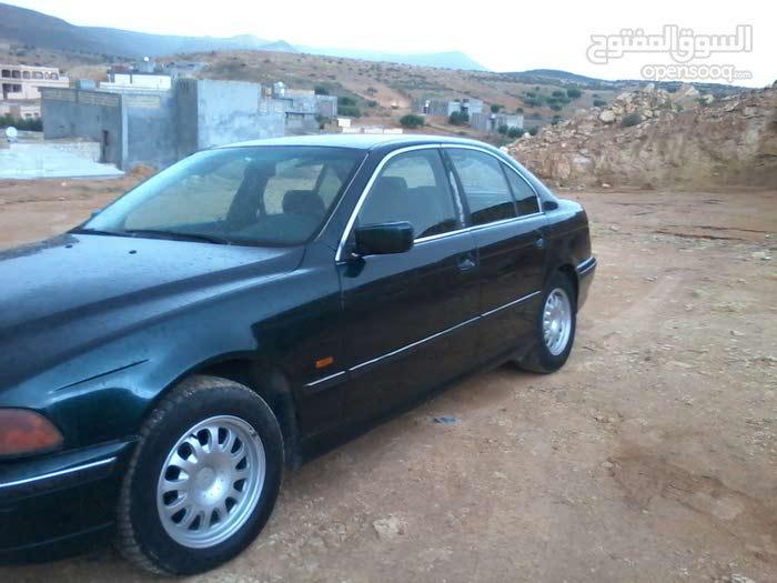 BMW 525 in Tripoli