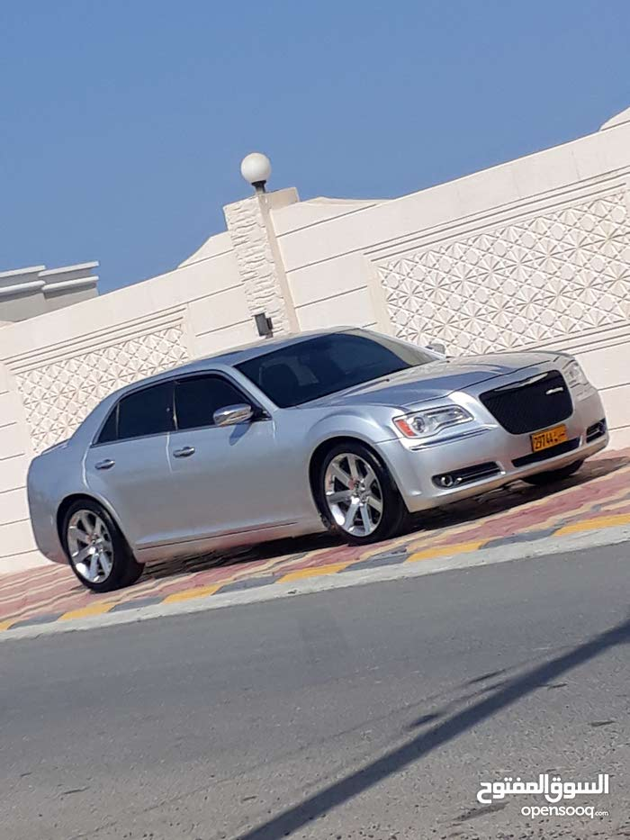 Available for sale! 1 - 9,999 km mileage Chrysler 300C 2012