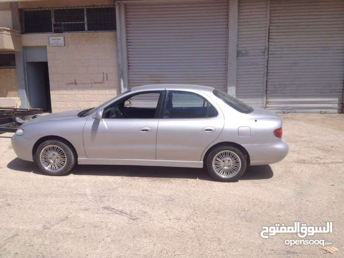 Hyundai Avante 1995 For sale - Silver color