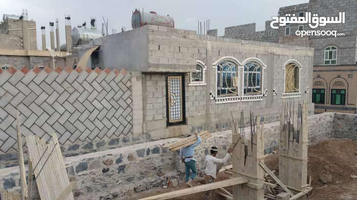 يوجد لديناء بيت مسلح في  صنعاء للمعاينه ت772189228