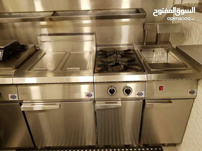 مطعم سناكات في الصويفيه مع مشغل تواصي كامل متكامل للبيع لعدم التفرغ