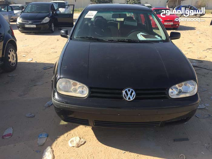 Volkswagen Golf 2000 for sale in Tripoli