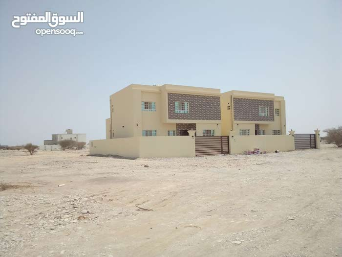 4 rooms More than 4 bathrooms Villa for sale in BarkaAll Barka